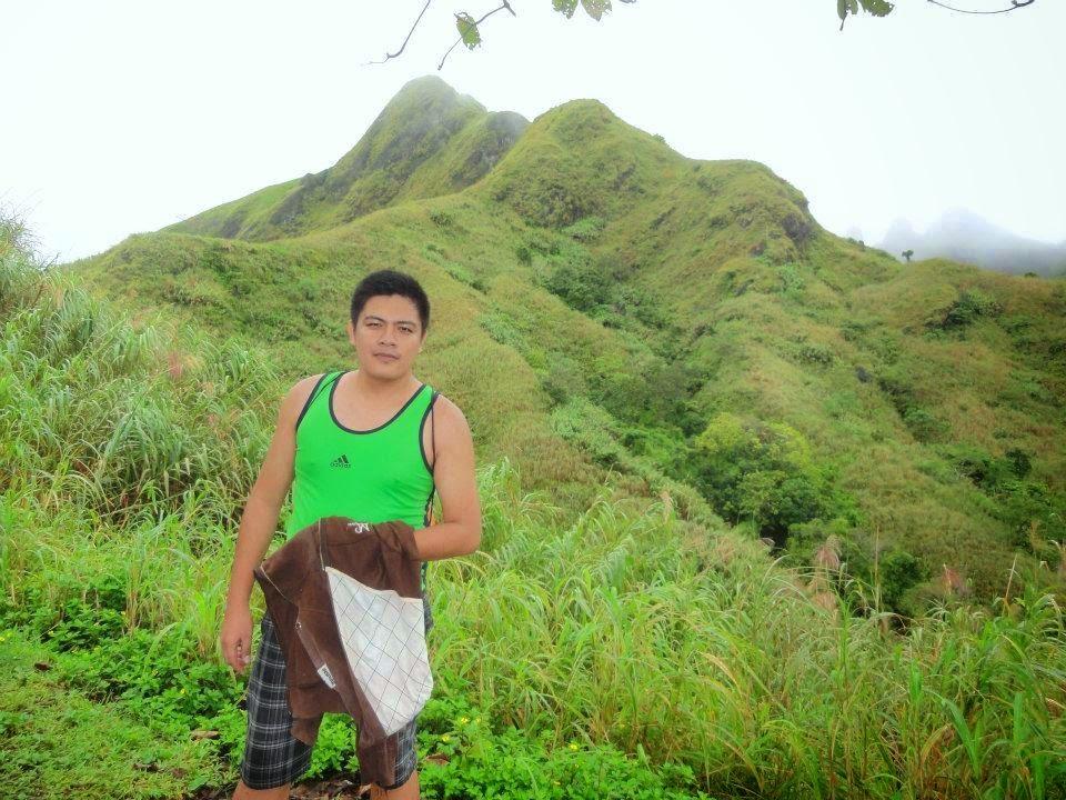 Great summits to climb near metro manila the backpack man for Jardin necitas