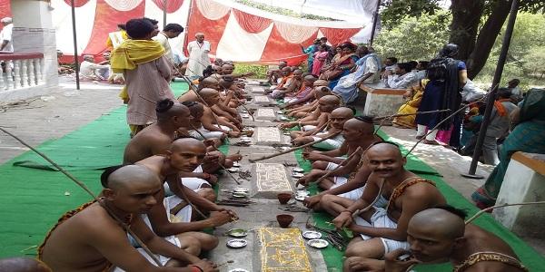 Bodeheshwar-mahadev-mandir-prangad-me-aaj-paanchavaa-sammuhik-yagopavit-sanskaar-hua-sampan