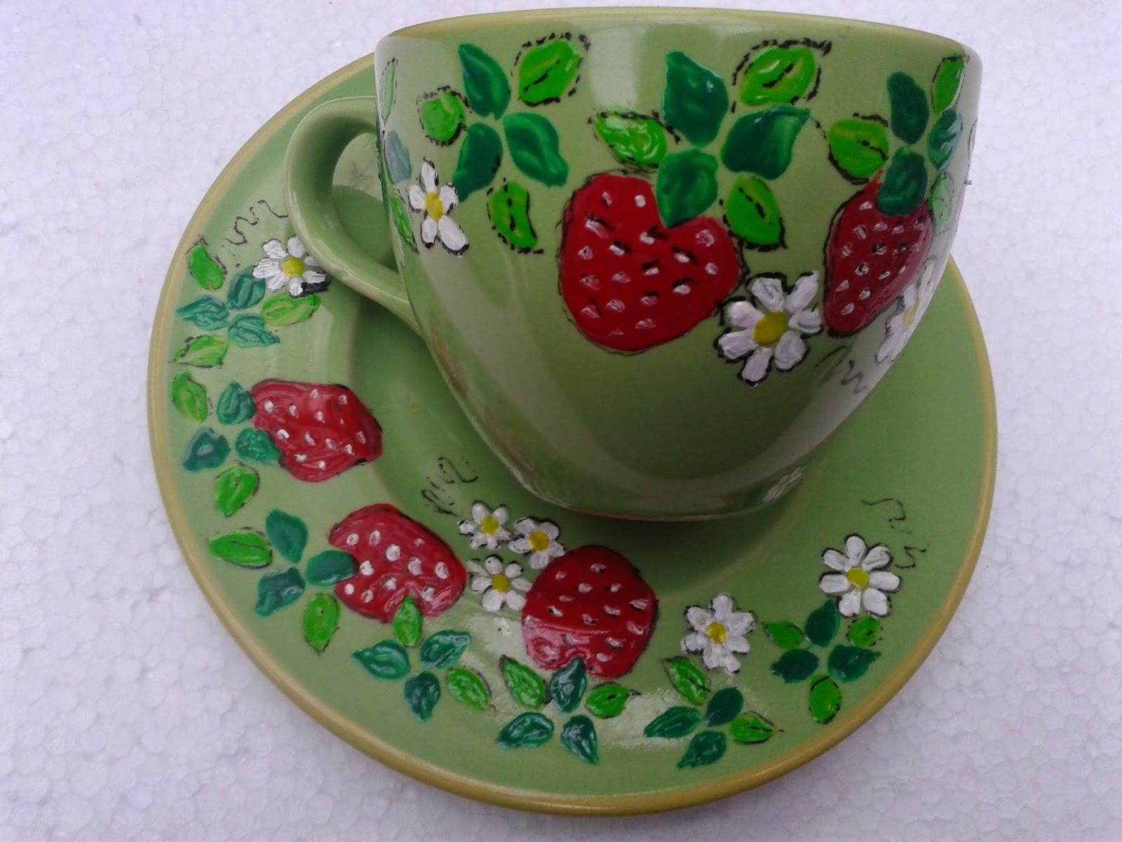 filiżanki w truskawki ręcznie malowane na porcelanie