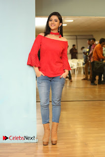 Actress Shriya Shrama Latest Picture Gallery in Denim Jeans 0266