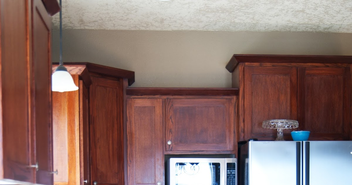 kitchen cabinet primer painting the kitchen cabinets primer paint averie 2690
