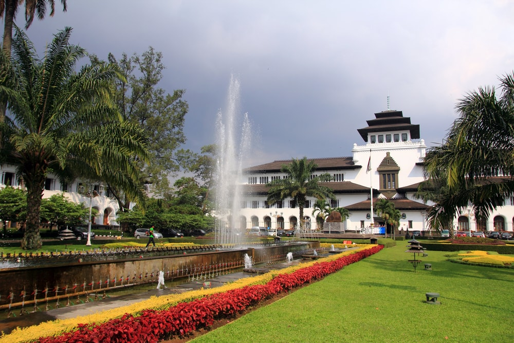 Kota Bandung dan Tujuan Wisata Belanjanya 5a0d052103