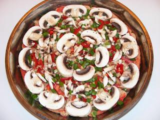 retete si mod de preparare pentru pizza de post cu legume cu blat de paine,