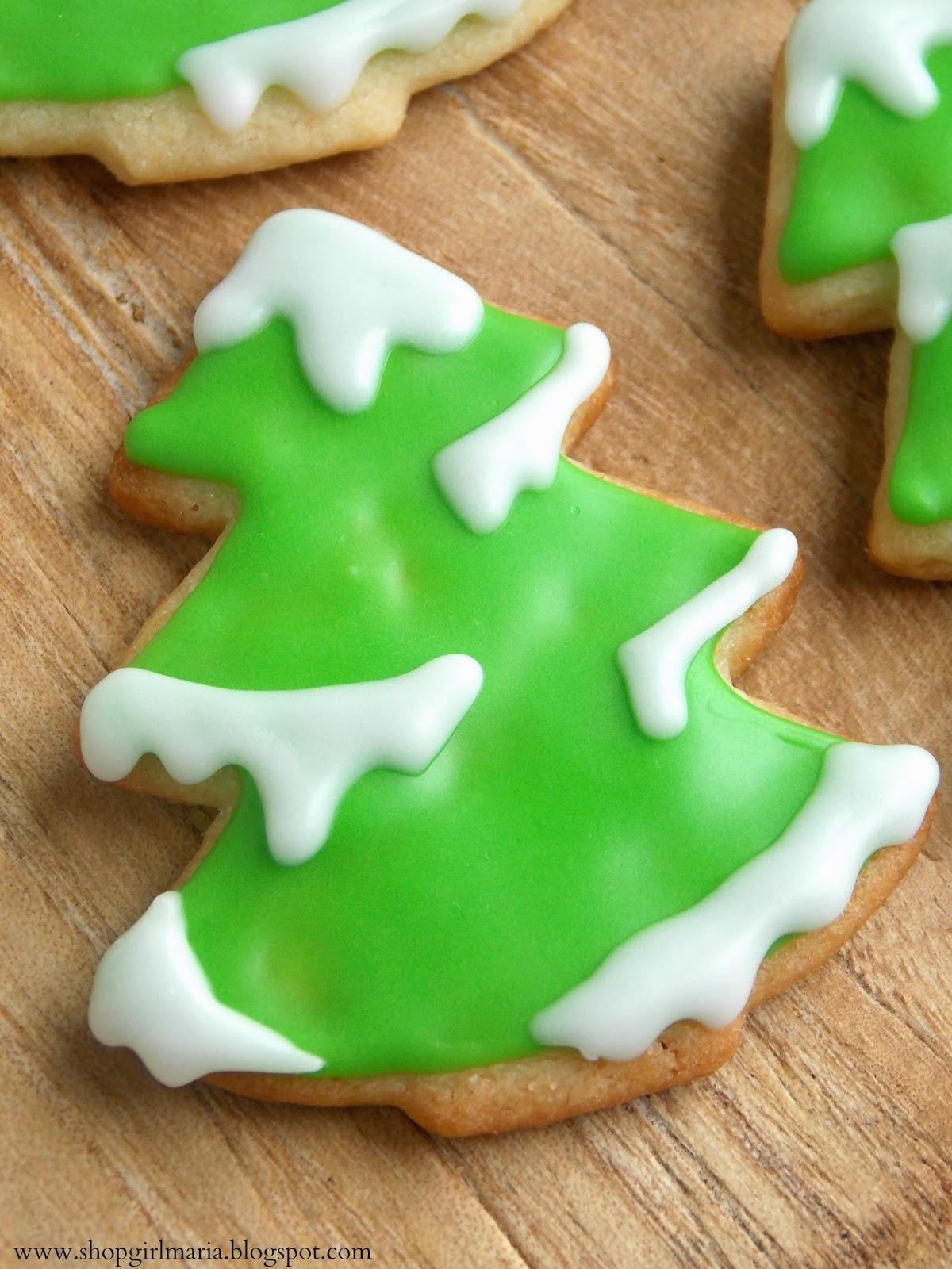 Snowy Tree Sugar Cookies | A Homemade Living