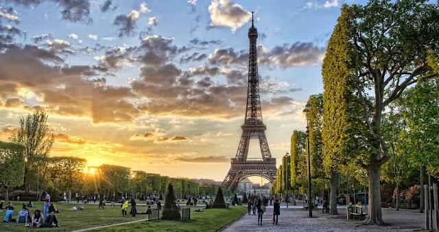 Entardecer em Paris - torre Eiffel