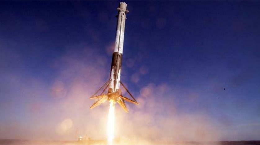 ارسال الصواريخ الفضائية ومن ثم استعادتها