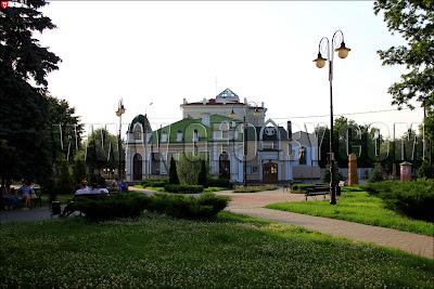 Полесский драматический театр в Пинске