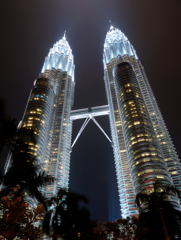 World Visits Petronas Tower Twin Skyscrapers Malaysia