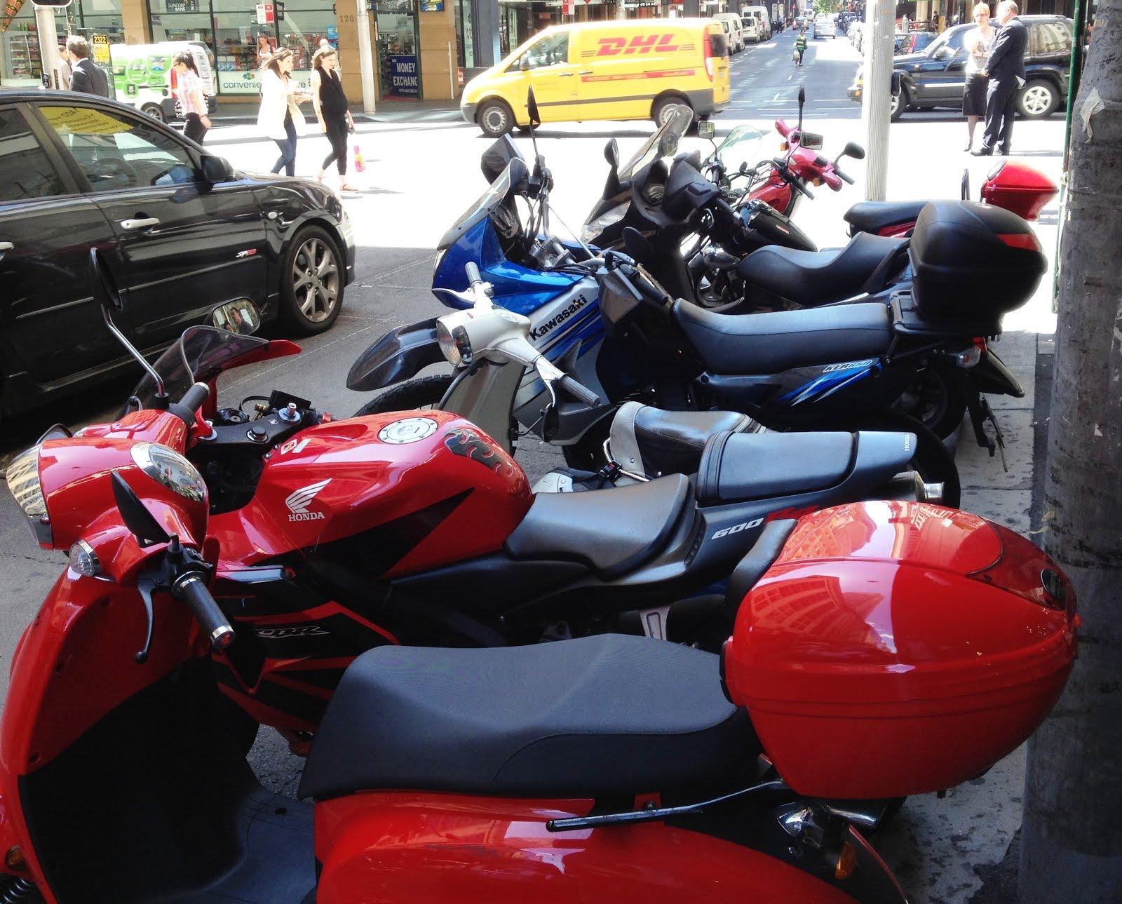 344ebe88e1e70 Geralmente em uma quadra no centro da cidade nós vemos uns 5-6 carros  estacionados