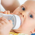 Saat Tepat Buat Anak Berhenti Minum dari Botol