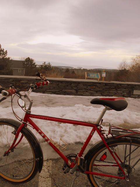Overlook Park has bike repair tools