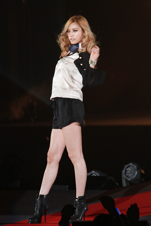 [PICTURES] After School members take the runway at Tokyo