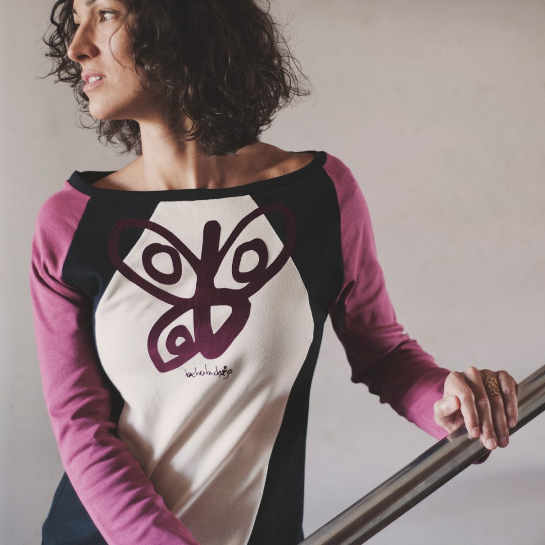 https://bichobichejo.com/tienda-bichobichejo/mujer/otono-invierno-mujer/camiseta-mujer-siena-manga-larga-bichobichejo-hecha-en-espana/