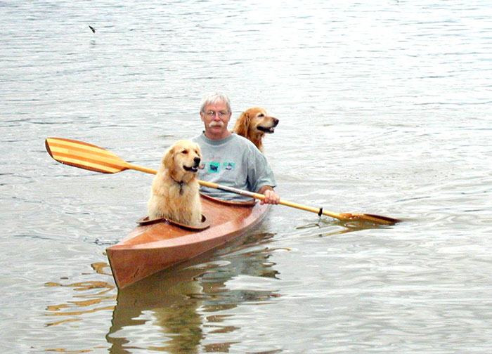 After David got his second Golden, he realized there was not enough space for both dogs - Man Built Custom Kayak So He Could Take His Dogs On Adventures