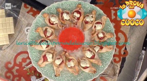 Prova del cuoco - Ingredienti e procedimento della ricetta Caramelle di frutta al ragù di fragole di Anna Moroni