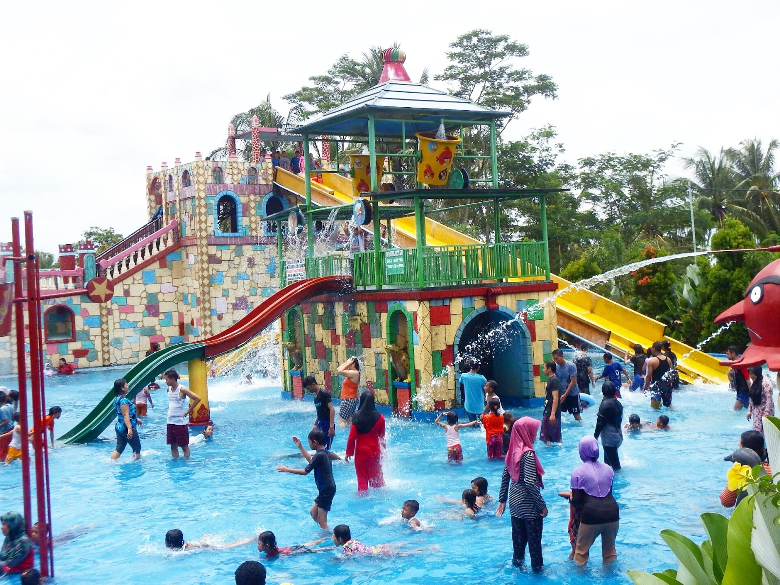 Water Park Gupi – CAS Water Park on