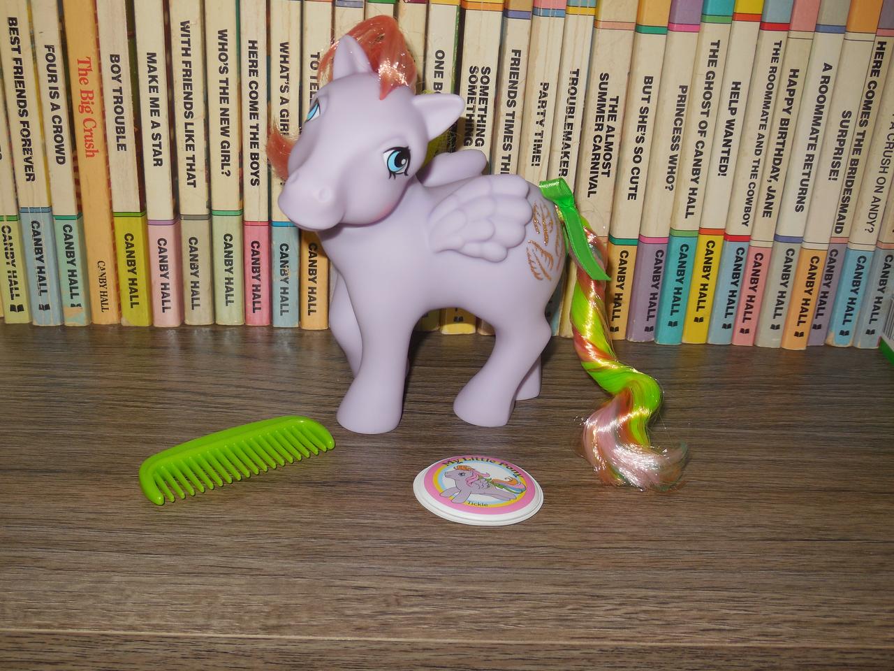 Veni Vidi Dolli: REVIEW: My Little Pony Classic Flutterbye