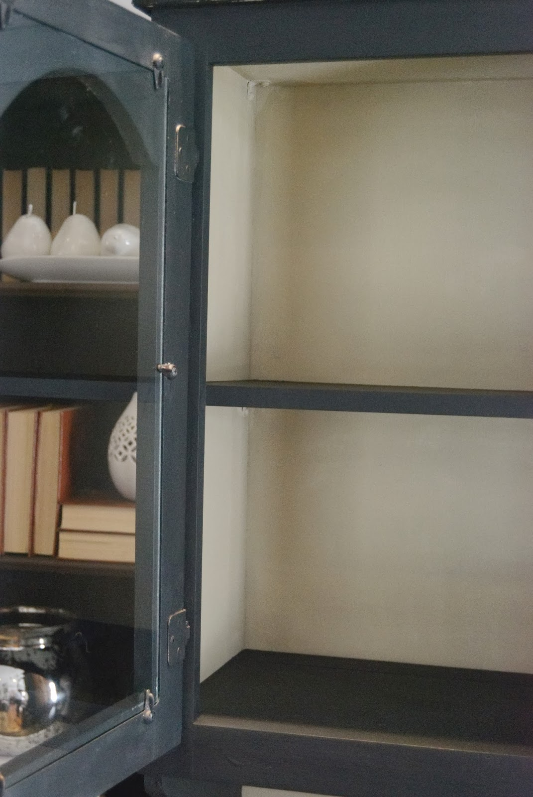Hutch Painted With Chalk Finish Paint