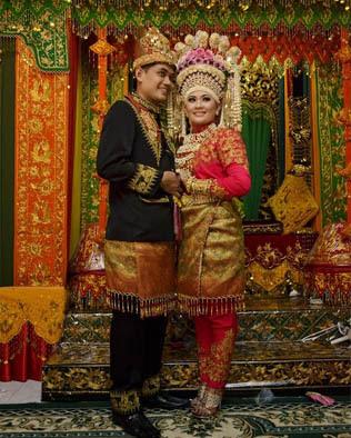 Pakaian Adat Aceh, Nama, Gambar, dan Penjelasannya
