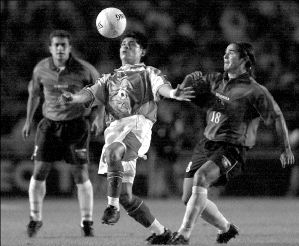 México y Chile en partido amistoso, 11 de abril de 2001