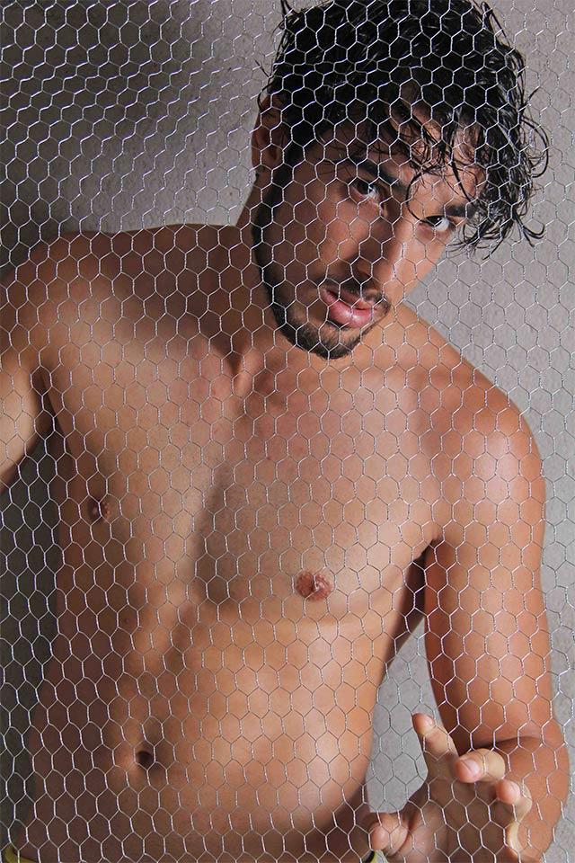 Ex-camelô Peterson Bonatti posa para ensaio sensual. Foto: Jorge Beirigo