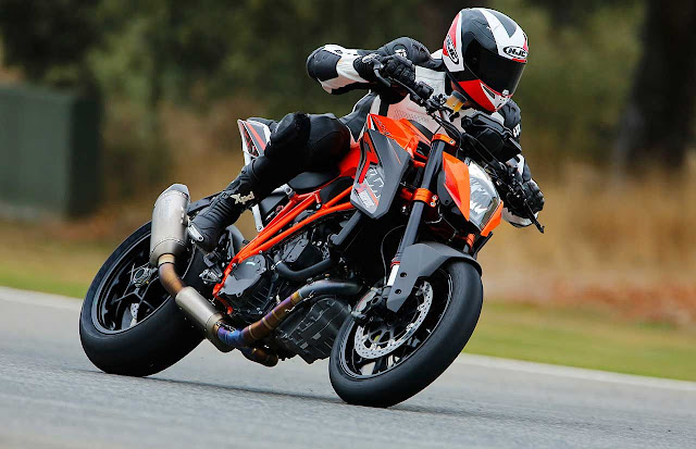 KTM Super Duke Specs, Review, Price,Top speed, Milage, Colors