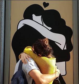 Virat Kohli hugging Anushka Sharma