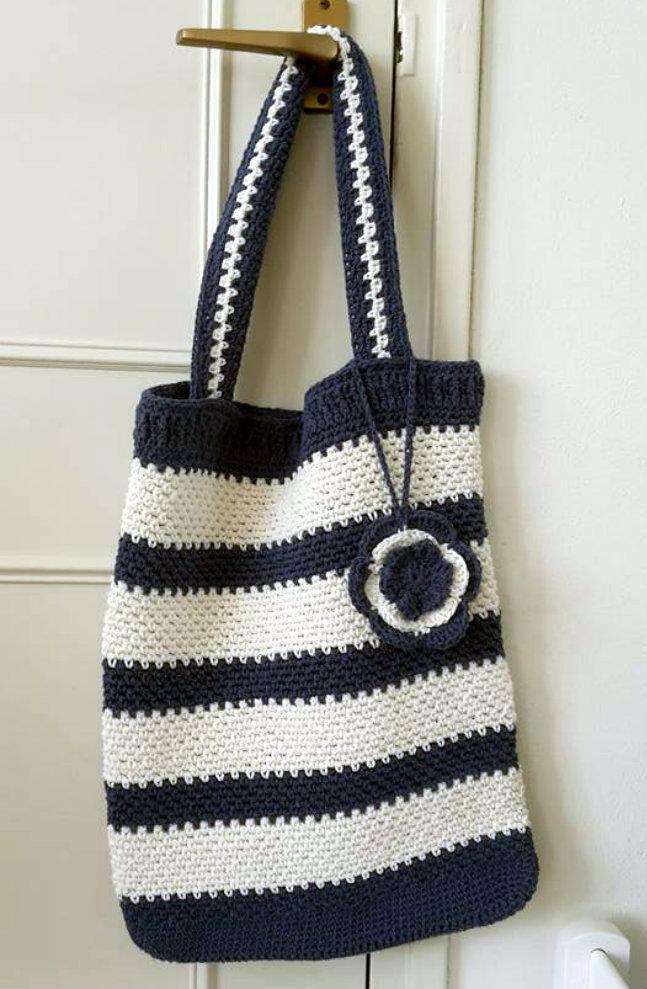 Crochet grocery bag (photo by Baukje) | Happy in Red