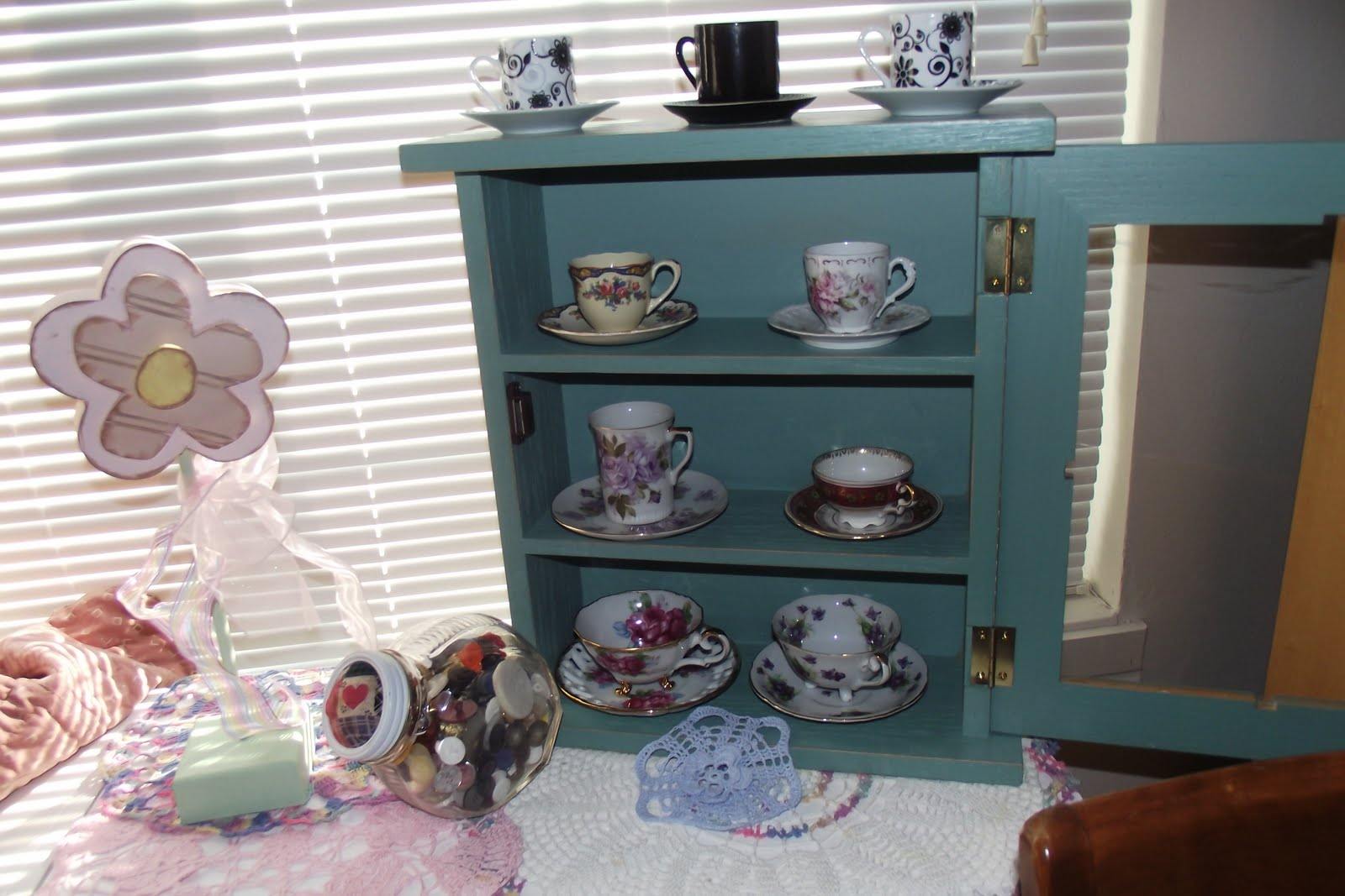 Karie's Chic Creations : Tea Cup Cabinet
