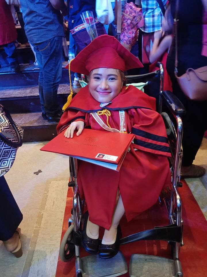 Student with genetic disease graduates as magna cum laude, proves disability is not a hindrance