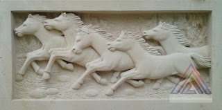 Relief lima kuda