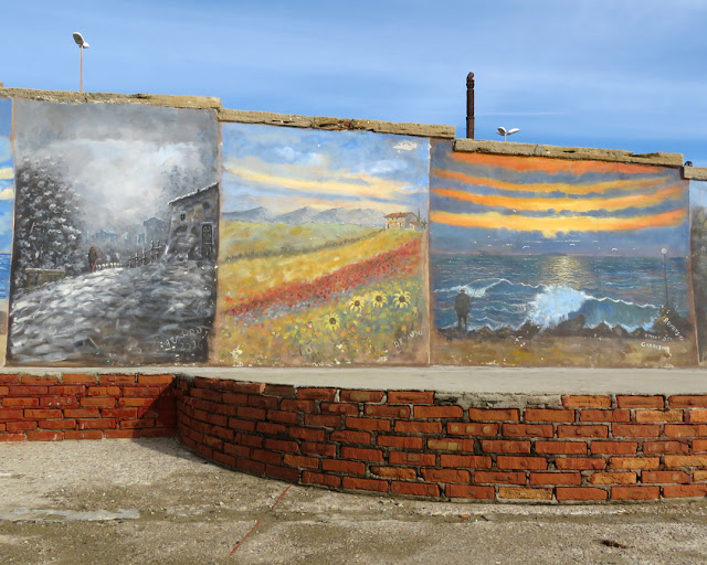 Murals on the wall facing the sea, Rotonda di Ardenza, Livorno