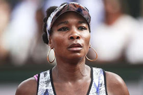 Venus becomes oldest Wimbledon semi-finalist for 23 years