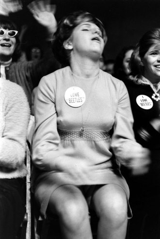 Rare Photos of Beatles Fans 1964  vintage everyday