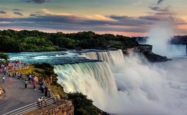 10 Tempat Wisata Terbaik Di Kanada