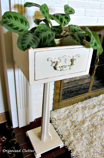 Pedestal Drawer Plant Stand #repurpose #drawerrepurpose #upcycle