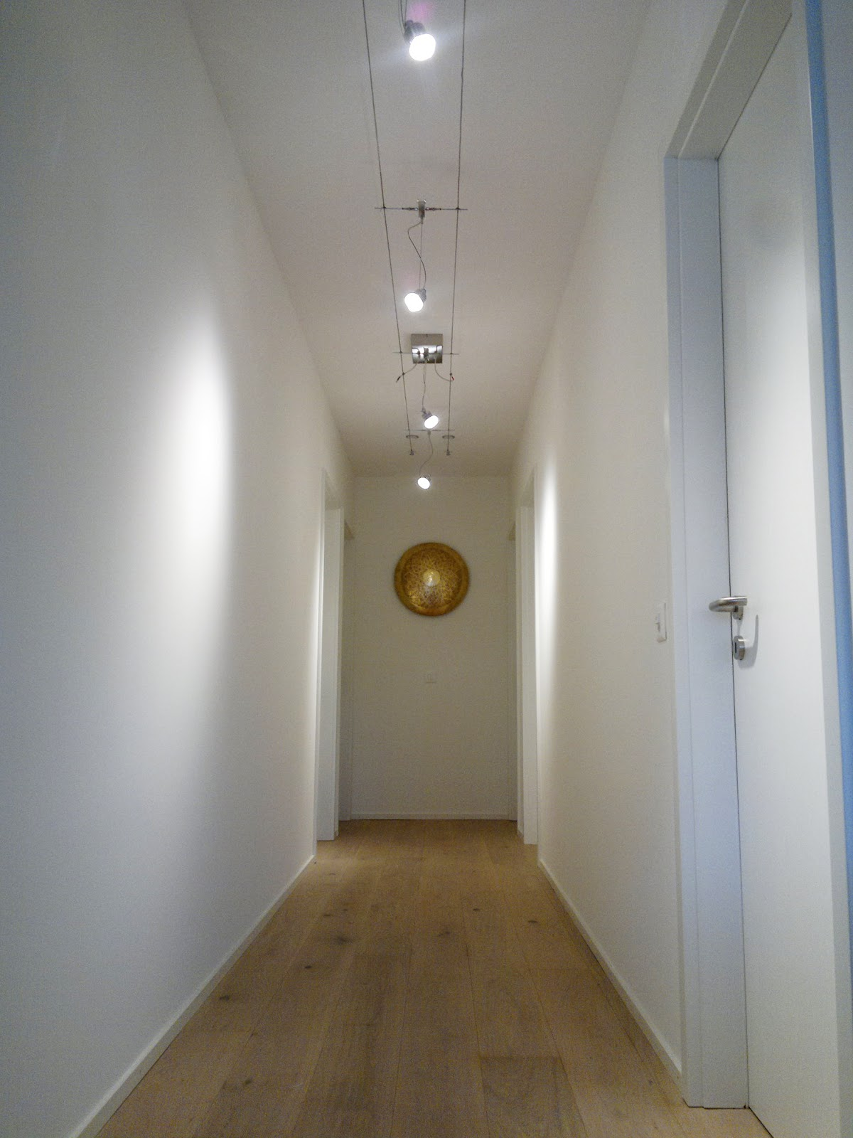Illuminazione led casa montreux illuminazione led in un for Illuminazione led a soffitto