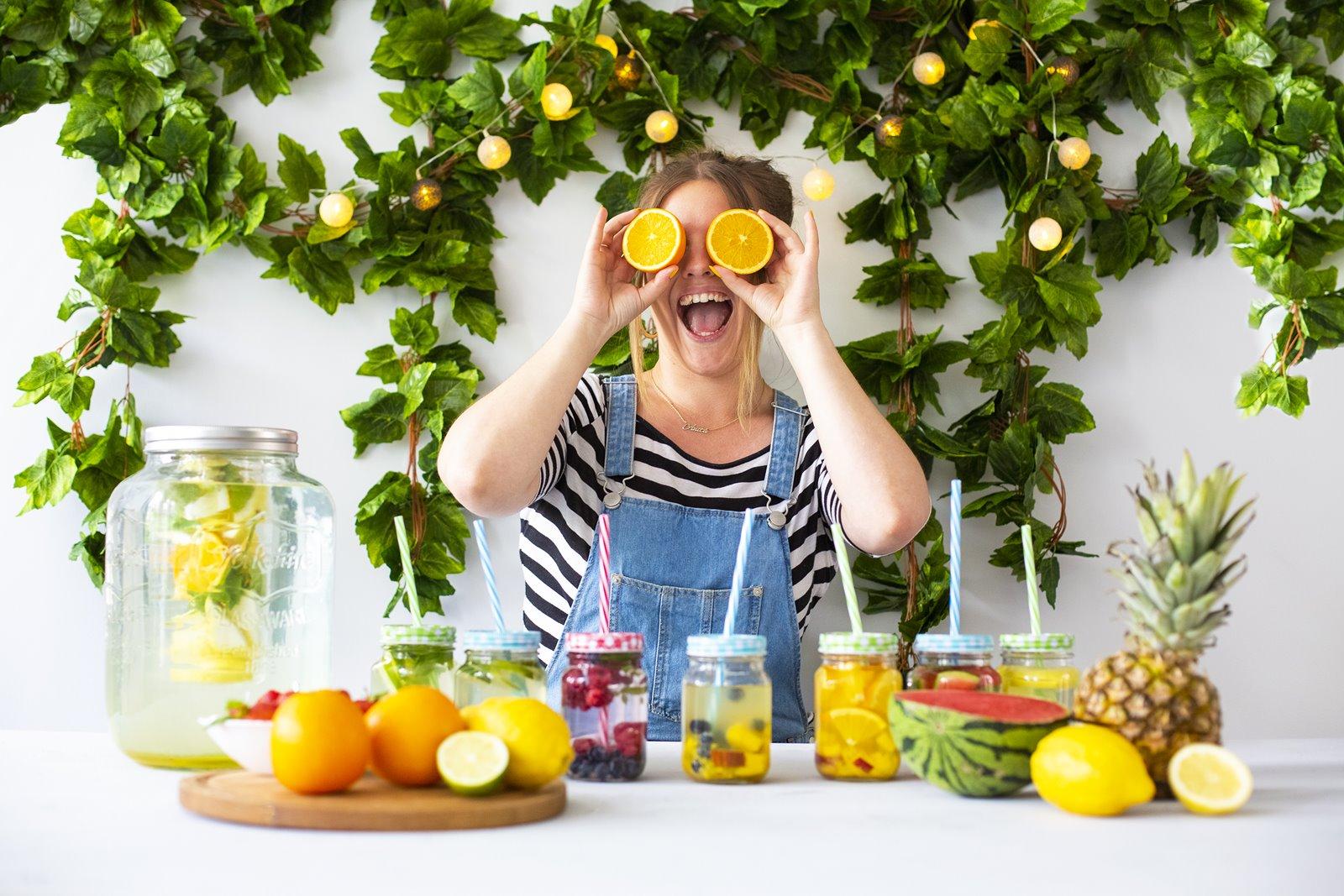 1 przepis na lemoniady jak zrobić lemoniadę jakie owoce można dać do lemoniady sposoby na upały nawadniające napoje jak się nawodnić promocja słoik z uchem browin słoik ze słomką lemoniada owoce lato wakacje youtube