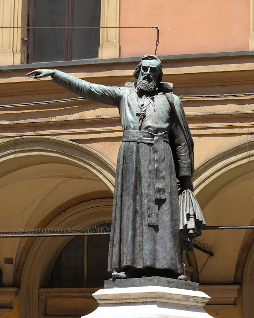 Monument to Ugo Bassi by Carlo Parmeggiani, Via Ugo Bassi, Bologna