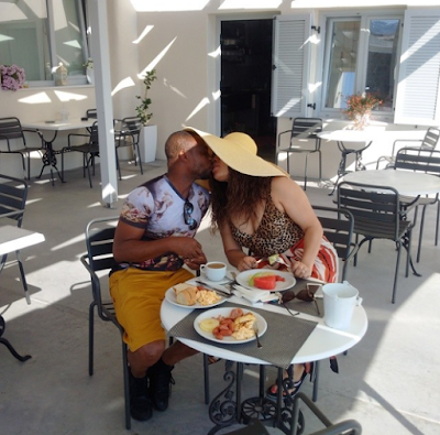 Photos: Monalisa Chinda and hubby share a kiss at the poolside