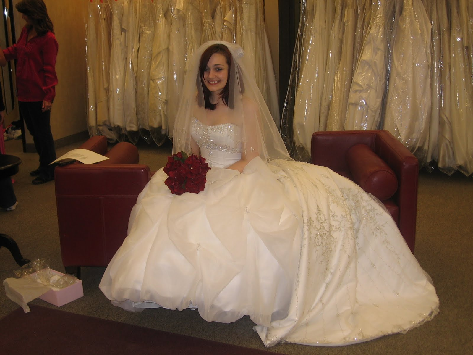 Wallpaper Backgrounds: Puffy Bridal Dresses