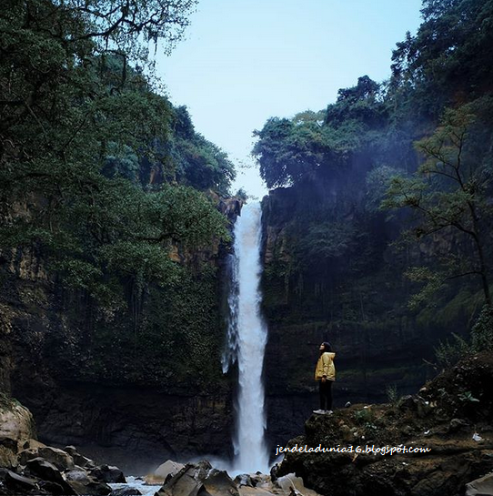Air Terjun Coban Baung, Air Terjun Yang Sangat Indah Akan Alamnya Dan Tempat Wisata Yang Sangat Cocok Untuk Mencari Ketenangan