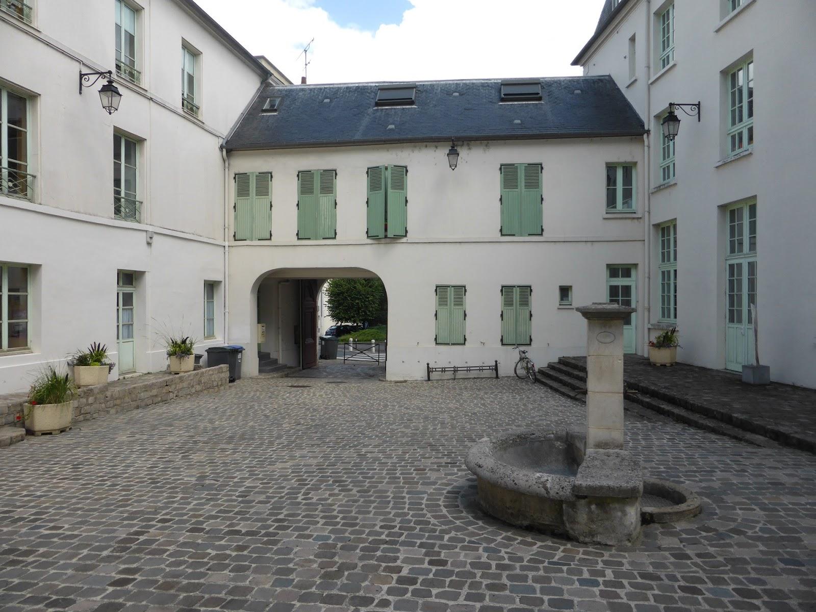 Paris bise art viry chatillon 2 le domaine de piedefer for Piscine de chatillon