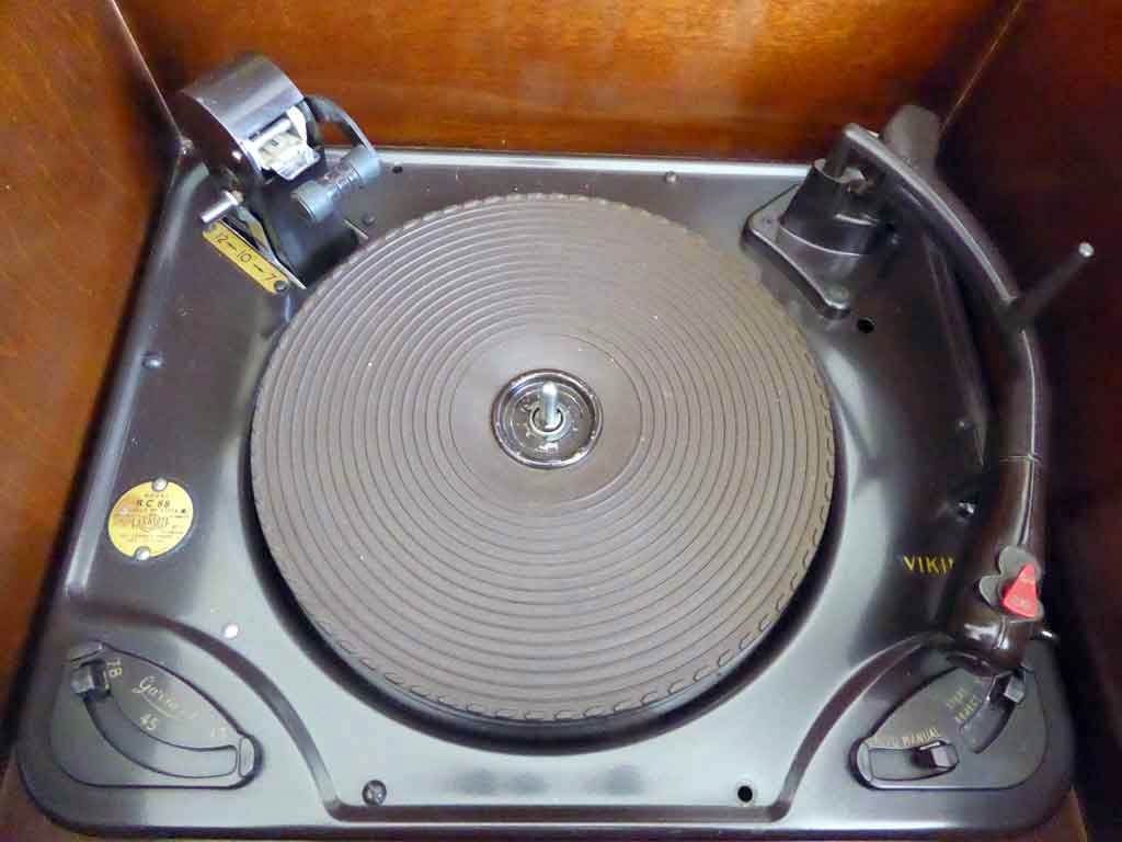 Garrard Model RC88 Record Changer With Viking Label