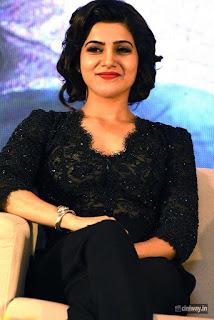 Samantha-Stills-at-A-Aa-Movie-Success-Meet