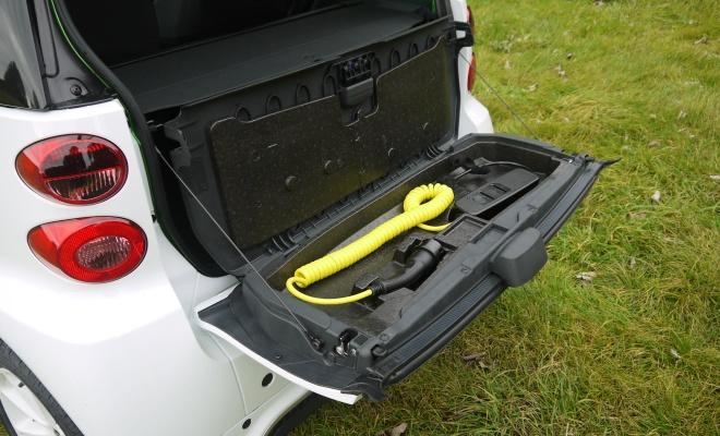 Smart ForTwo Electric Drive cable storage