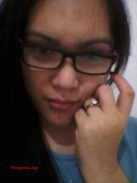 Cewek berkacamata Bugil Sexy Narsis