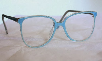 https://www.etsy.com/listing/130462271/vintage-1980s-powder-blue-round-lens?ref=favs_view_6