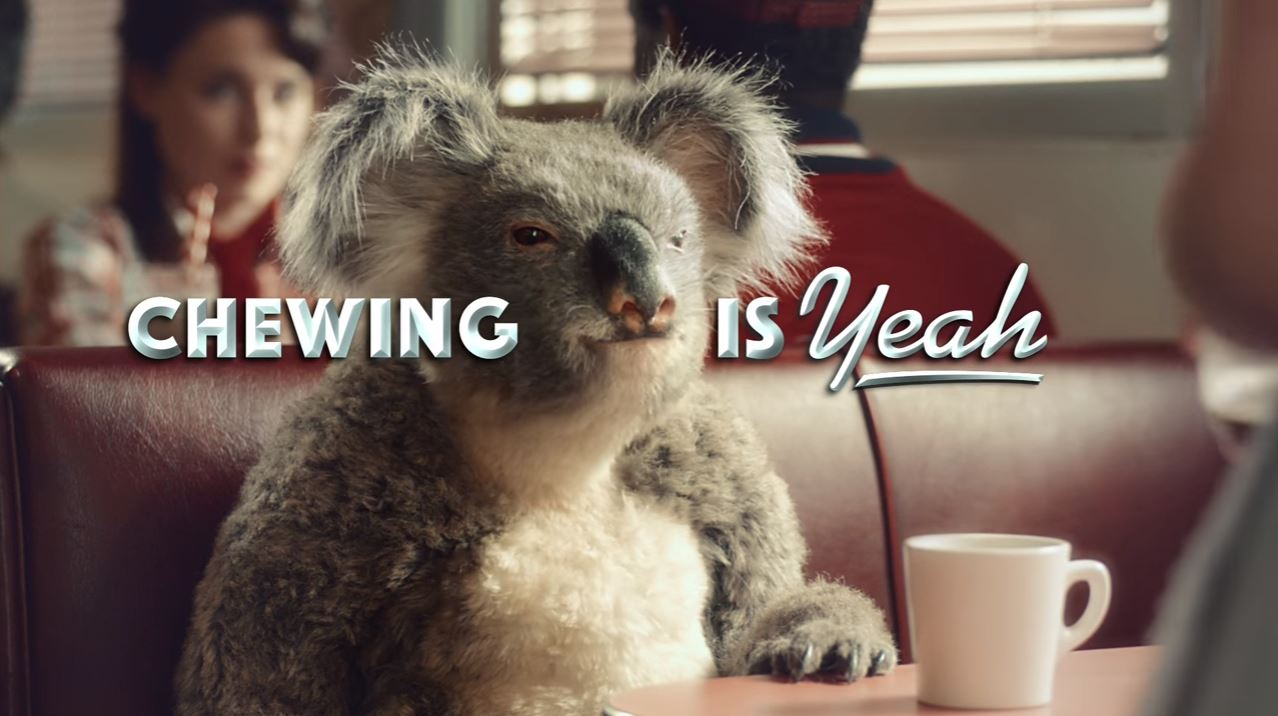 Canzone e modella (cameriera) Pubblicità Koala Air Action Vigorsol | Luglio 2016