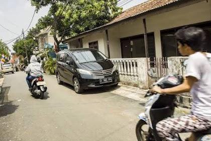 Ini Jalur Hukum Yang Bisa Dilakukan Saat Terganggu Mobil Tetangga Yang Parkir Di Depan Rumah Kamu